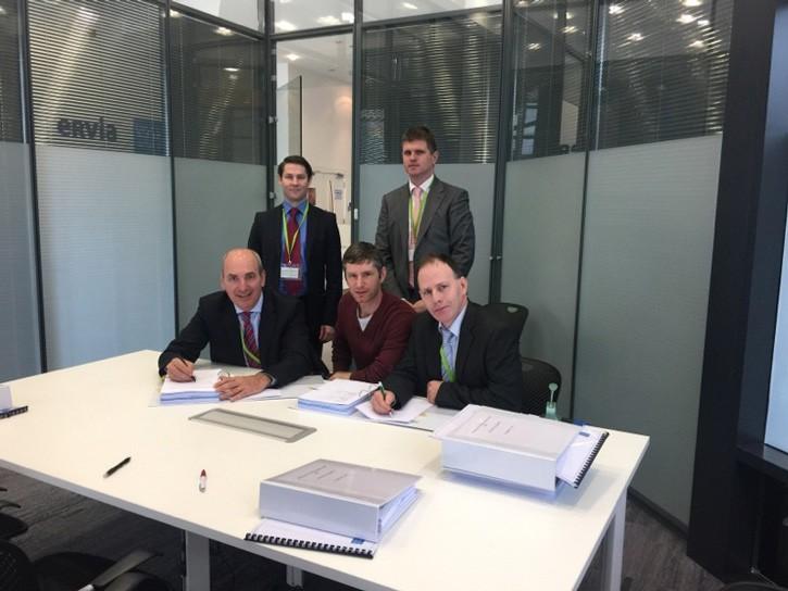 Front, left to right: Des Mulcair; Roadbridge,Ted Hurley; Irish Water & Jim Palmer; EPS Group.  Back row, left to right: Trevor Byrne; Roadbridge & John Lynch; EPS Group